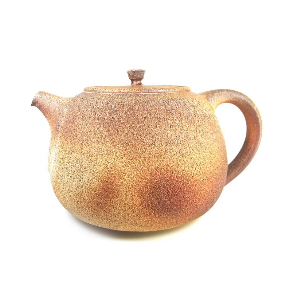 Große Teekanne aus dem Holzbrand