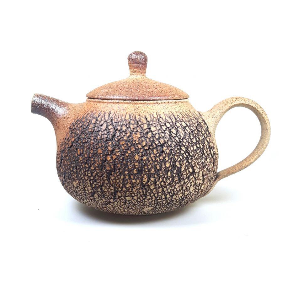 Teekanne aus dem Holzbrand